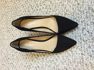 Aldo , black suede pumps 7.5