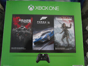 BRAND NEW XBOX ONE SUPER BUNDLE 2 CONTROLLERS HALO LTD EDITION