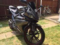 Yamaha yzf r125 2013 clean