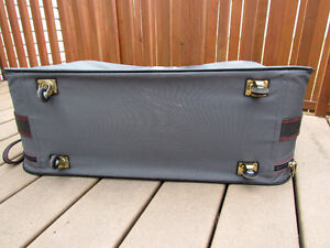 Samsonite Suitcase grey in great condition,with rollers,light Strathcona County Edmonton Area image 4