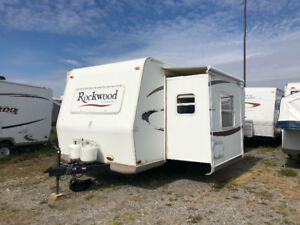 2007 ROCKWOOD 28FT WITH SLIDE OUT $6,500