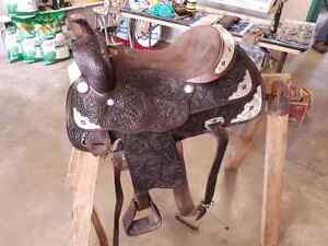 """17"""" Western Saddle and Matching Accessories"""