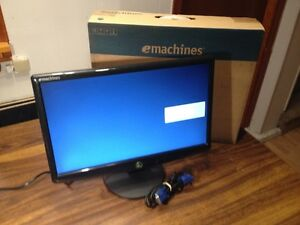 "E machine 18"" Wide Screen Monitor"