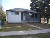 3 Bed/1 Bath House For Rent in East Kildonan