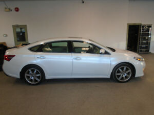 2014 TOYOTA AVALON XLE! NAVI! LEATHER! 88,000KMS! ONLY $17,900!