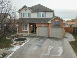 EXQUISITELY UPGRADED, INSIDE & OUT ST.  CATHARINES 4BED HOME!