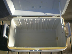Large White 54 Litre Hard Sided Cooler Peterborough Peterborough Area image 4
