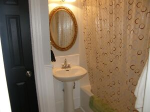 Free UNLIMITED Wi-Fi, room for rent in Lindsay! Kawartha Lakes Peterborough Area image 5