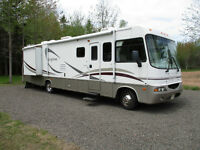 2004 Georgetown Motor Home 359 by Forest River V10 Ford