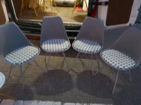 4x retro style chairs