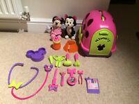Mini mouse vet play set