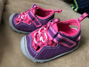 Carter's baby girl (0-6 months) sandals - BRAND NEW WITHOUT TAGS