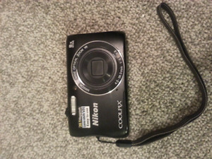 Nikon coolpix s3700 for sale in brand new condition