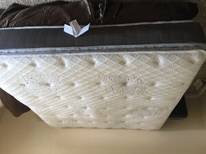Perfect Condition Luxury King Mattress/Boxspring