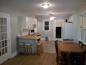 Downtown Rental with Students - For May 1st Peterborough Peterborough Area image 5