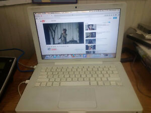 White MacBook A1181