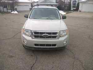 Low KMS 2008 Ford Escape