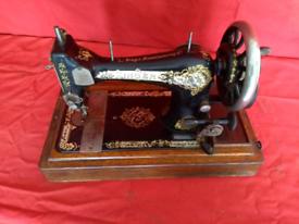 SINGER SEWING MACHINE (1908 year made)