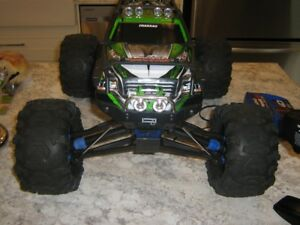Traxxas Summit 1/10 used 4 times, trade for t-maxx