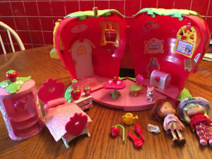 Strawberry shortcake house with dolls furniture and accessories