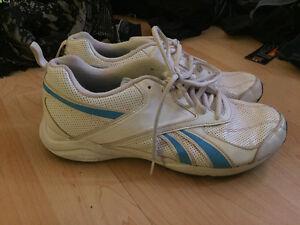 Reebok sneakers size 8.5