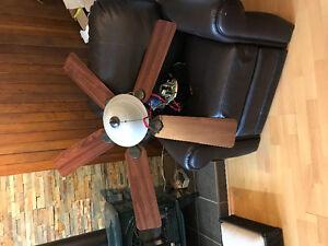 "Hunter 52"" ceiling fan with light Gatineau Ottawa / Gatineau Area image 3"