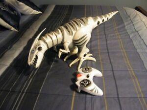 Roboraptor Robot Raptor T-Rex Dinosaur Toy with Remo
