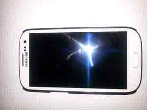 Samsung Galaxy S3 16 gb white unlocked