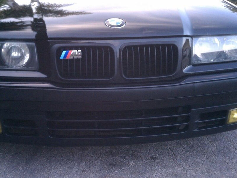 How to Buy a BMW Grille Badge