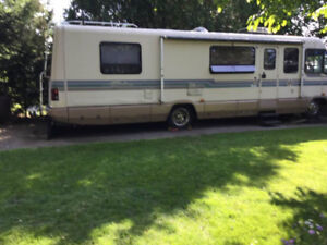 1990 Chieftain Winnebago - West Lorne