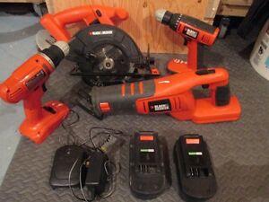 Ens. outils électriques sans fil Black & Decker: scies & drill