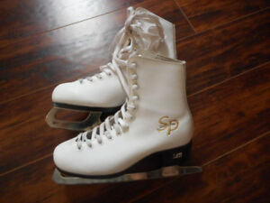 ladies skates in very good condition size 7