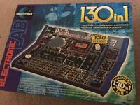 New Electronic lab 130 in 1 Maxitronix with instructions Toy Game.