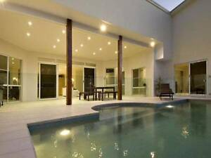 Large modern house room with desk all bills included Kuluin Maroochydore Area Preview