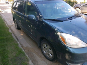 2005 Toyota Sienna Fully Loaded