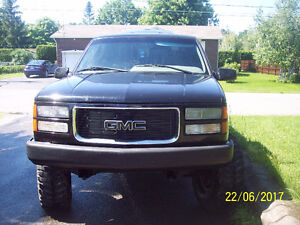 1996 GMC mags pneus mickey thompson 35 pouces