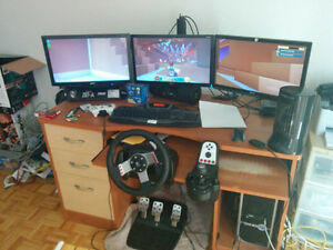 3 monitors with desk mount