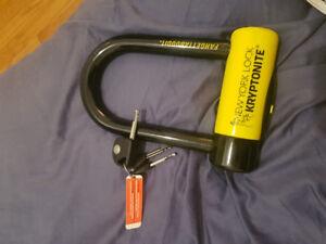 Selling Kryptonite lock  (New yourk fahgettaboudit)