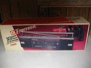 Emerson AM/FM Stereo Radio Dual Cassette BOOMBOX Tape Play