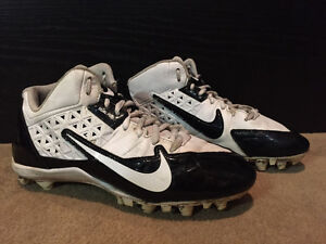 NIKE ALPHASTRIKE Soccer Shoes - US 7.5 / EUR 40.5