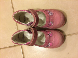 Girl size 8/9 shoes