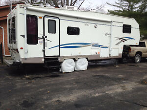 Very Clean and well maintained Fifth Wheel with fantastic layout