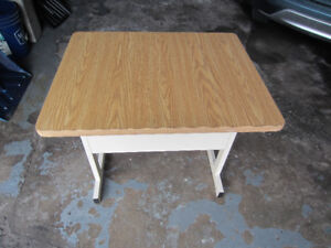 Child's desk in very good condition