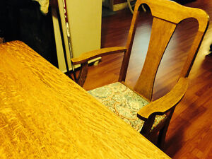 Reduced! Need the space! Antique Oak Dining Table and Chairs Belleville Belleville Area image 3