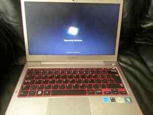 Samsung Series 5 netbook hot red color