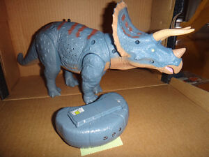 Animal Planet Infrared-Control Triceratops
