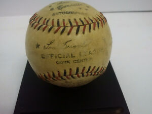 1950's Lou Burdette Major League Baseball (cork centre)