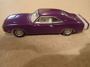 1:64 SCALE DIE-CAST GREENLIGHT MCG 1970 DODGE CHARGER R/T 0 TO 6