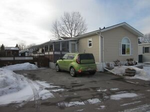 EXTRA CLEAN MOBILE HOME IN MOUNTVIEW SE