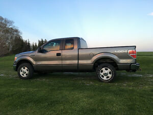 2013 Ford F-150 Extended cab XLT Pickup Truck